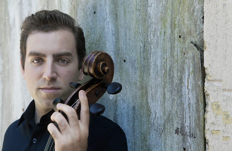 Cellist Thomas Mesa